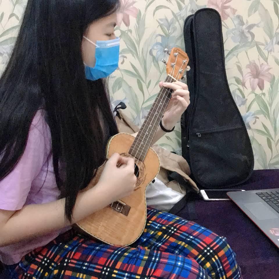 học đàn guitar giá rẻ tại nhà